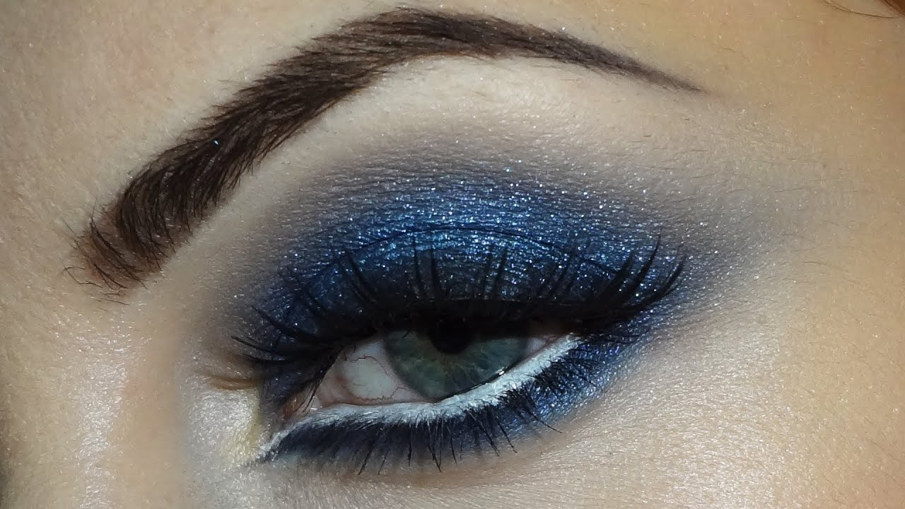Blue smokey eyes - YouTube  Blue smokey eye...