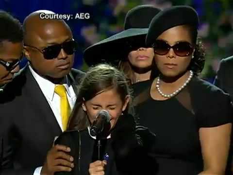 Дочь Джексона со сцены призналась ему в любви