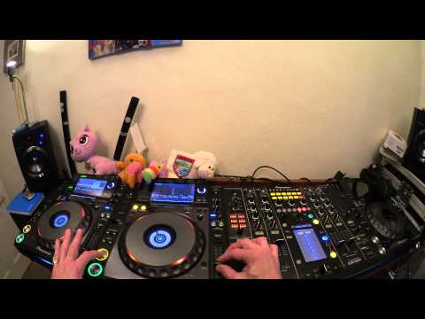 DJ LESSON ON BEAT MATCHING AND KEY CHANGING IN THE MIX BY ELLASKINS THE DJ TUTOR