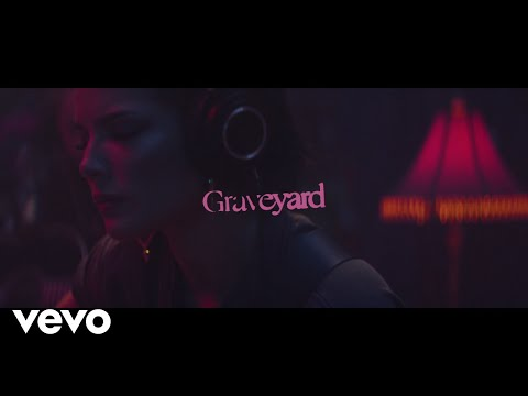 Rose - #Hollywood- Halsey's Stripped Down Version of Graveyard will Haunt You