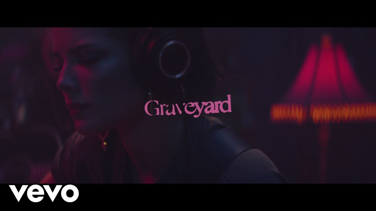 Halsey - Graveyard (Stripped - Live From Nashville)