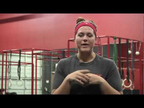 "CrossFit - ""Biggest Loser Contestant Goes CrossFit"" With Courtney Rainville And Jason Spreck"