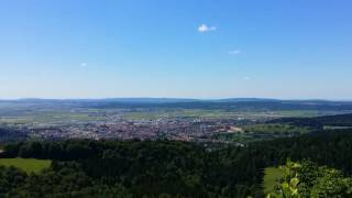 Vue depuis les hauteurs du Larmont, surplombant Pontarlier, dans le haut-doubs, en France.