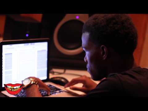 """Maaly Raw shows us how he made """"Problems"""" by Phat Geez from scratch"""