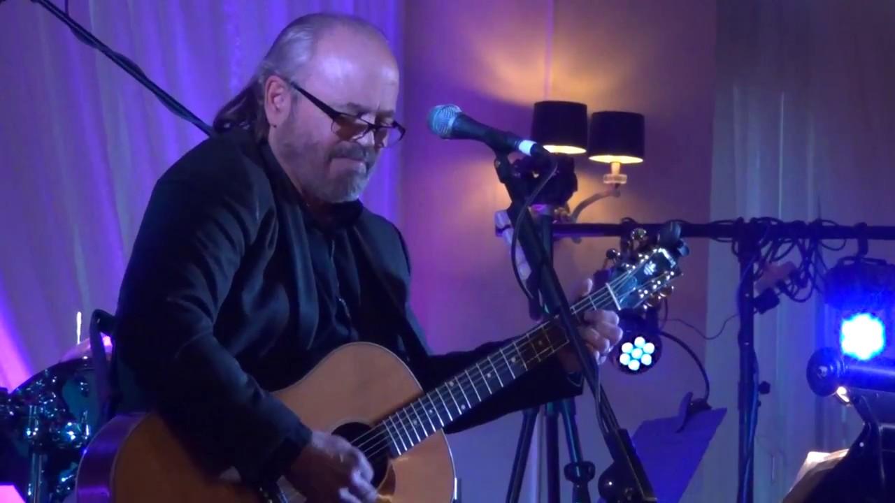 Music - Tom Conrad Acoustic Guitar and VocalsLa Crosse, WI