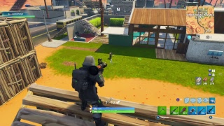 Fortnite 353 wins. Noobs in glitch action