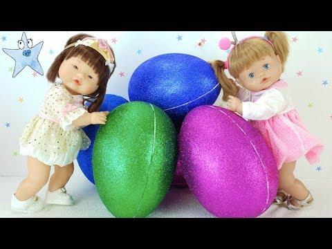 Ani y Ona abren huevos de purpurina gigantes ¿Qué habrá dentro?