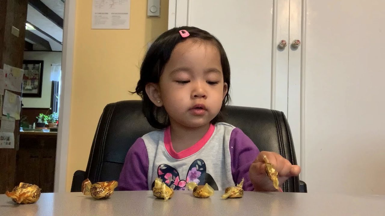 Testing my toddler's patience with 7 candies while I leave the room | 2 yr 3 month old cute video