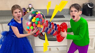 Five Kids Colorful Gumball Machine + more Children's Songs and Videos