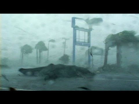 Hurricane Charley Punta Gorda Florida - Full on!