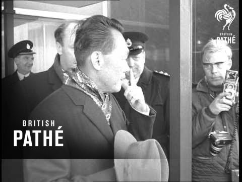 Mr Lee Arriving At London Airport (1968)