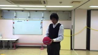小学校受験のための運動。 今回は《ボールの投げ上げ》です。 ボールを...