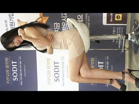 4K Racing Model Shim Jiyeong Ban Jihui #1 Horizontal Fancam 2017 SEOUL MONEY SHOW by 화질덕후 (4kOTAKU)