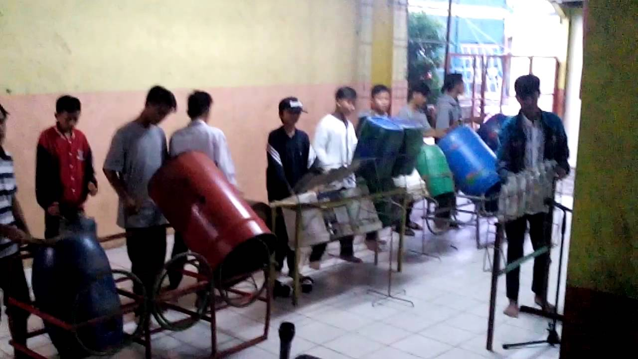 woww--Kreatif - Penampilan Anak-Anak Sekolah MASTER Depok---Alat MUsik dari Barang  Bekas 9ca26330cb