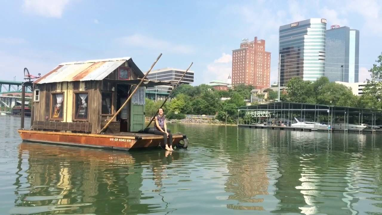 California artist takes shantyboat down the Tennessee River - YouTube