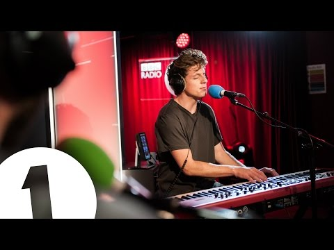 Thumbnail: Charlie Puth covers The 1975's Somebody Else in the Live Lounge