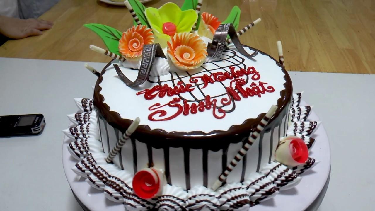 Trang trí bánh kem sinh nhật bằng CHOCOLATE - YouTube