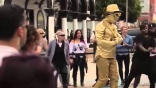 Usher Surprise STREET ARTIST Dance Show on Venice Beach, California │VIDEO ►HD