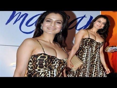 Amisha Patel & huge milky juggs thumbnail