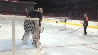 Steve Mason gets ready for start