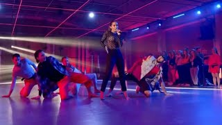 Anitta - Downtown (PERFORMANCE)| Fama a bailar