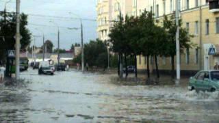 Витебск. Потоп на пл. Ленина. Поломки автомобилей