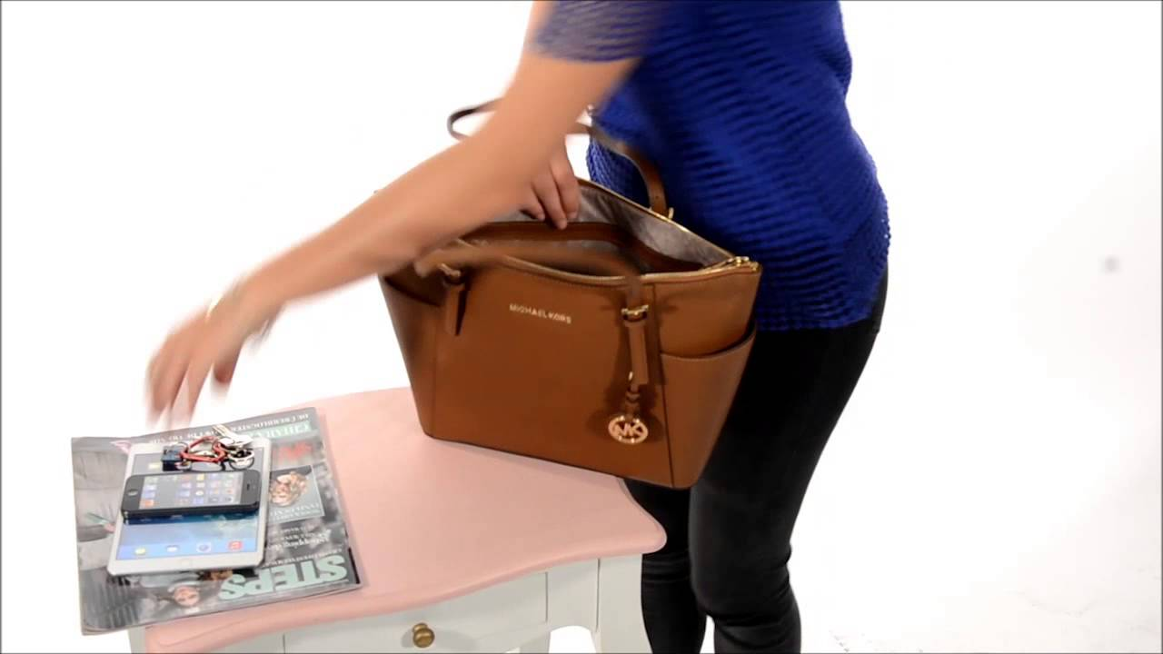 4508cf5820 Cabas Jet Set - Michael Kors - YouTube