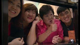 W Singapurze Lorek trafił do rodziny kochającej gotowanie i... przytulanie :) [MasterChef]