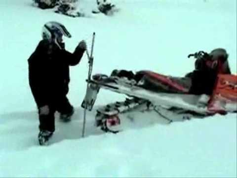 Устройство для выдергивания снегохода