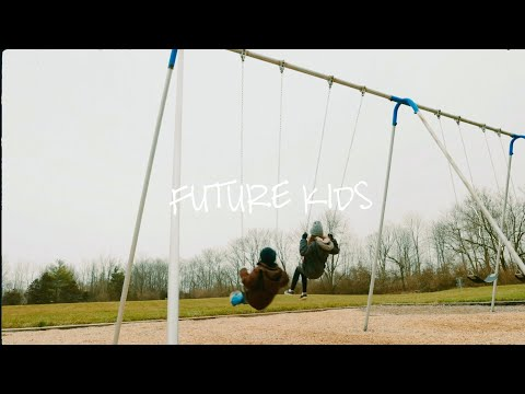 Sara Kays - Future Kids [Official Lyric Video]