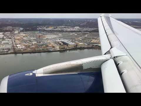 Delta Airlines Airbus A321 Landing at Washington Reagan National Airport