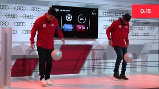 Messi vs Neymar juggling the ball / www.weloba.com