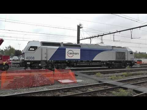 Europorte Vossloh Euro 4008, arriving, shifts, departs, station Aat /Ath, Belgium, 11oct2013