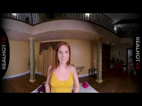 RealHotVR - Scarlett Mae - This is a virtual reality video. Watch in VR headset indir