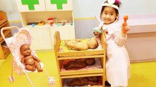 재밌는 직업 체험 하는곳이 있어요!! 서은이의 역할놀이 의사 키즈카페 아기 돌보기 Career Experience Indoor Playground