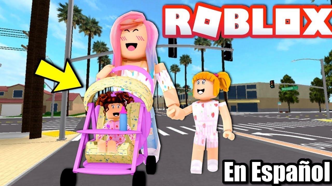 Goldie Conoce a Nueva Hermanita Bebe - Familia Bloxburg Roleplay - Titi Juegos