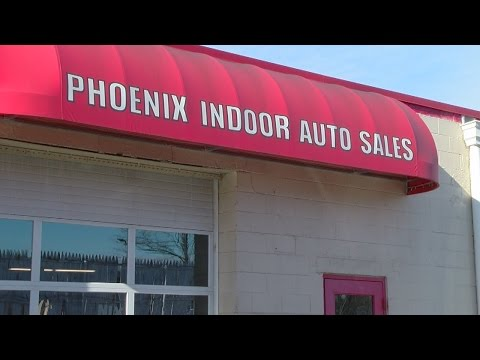 Phoenix Indoor Auto Sales >> Automobile Customers Seek Answers From Dealership But Can T