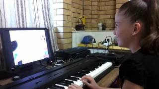 Video online piano lessons - Jessica - age 12 at 6 weeks playing 4X4 (Part 1 of 2)(This video shows Jessica - age 12 at 6 weeks of learning how to play piano with Musiah. The piece is