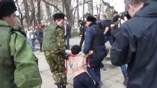 Femen (Pussi Riot) в Симферополе. Crimean Parliament 06.03.14г