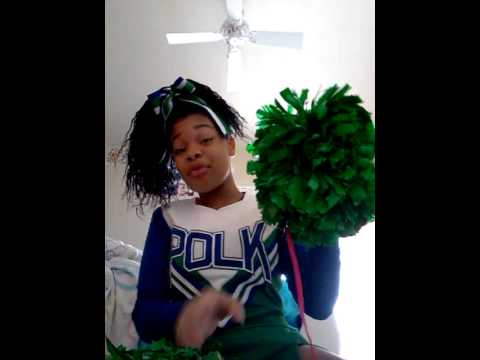 How to fluff your cheer poms
