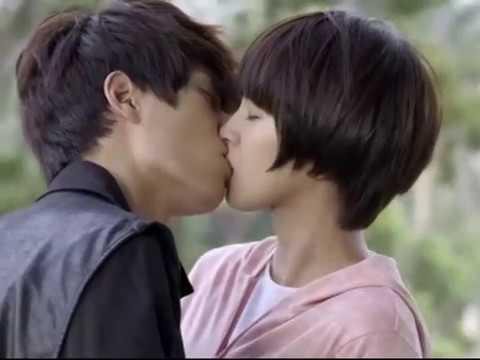 Moon River (Taiwan drama) -  Trouble
