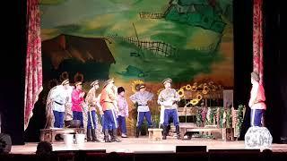У казаков все в руках горит, вот и сгорело - Бабий бунт Приморский театр молодежи