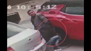 Se hicieron los que iban a parquear y, en segundos, le sacaron la llanta a camioneta