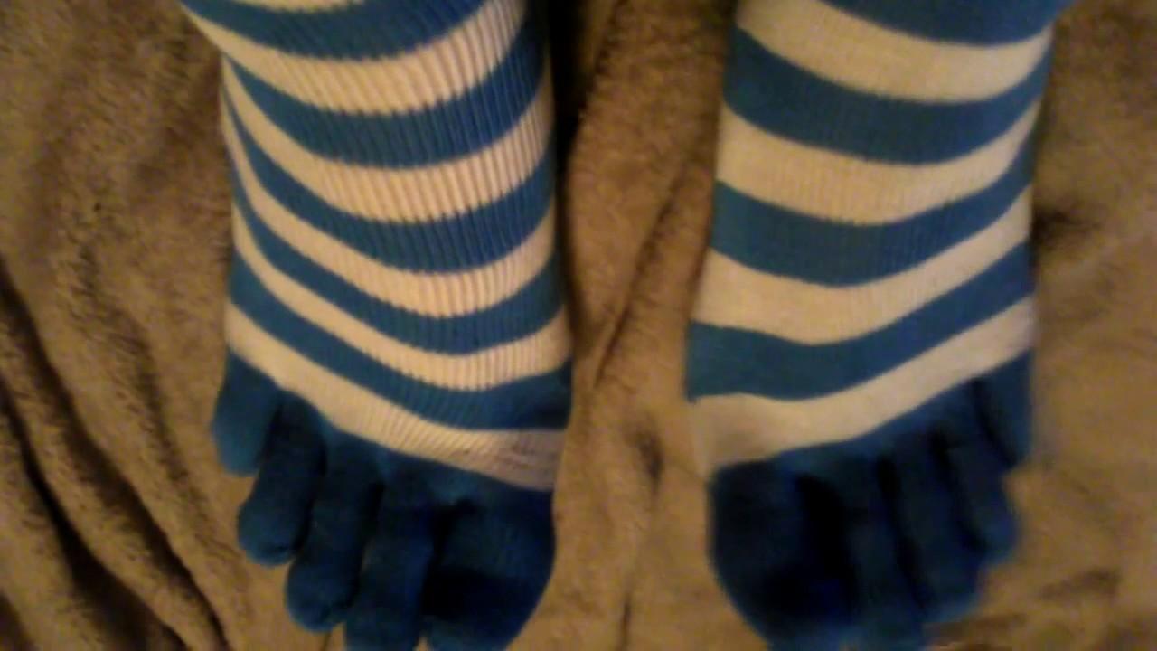 ca5fdb93c1767 Slow Motion Cute Striped Blue and White Toe Socks 靴下 - YouTube