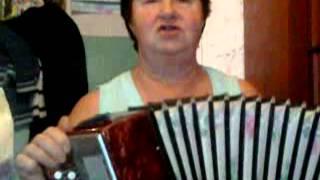 баба лёля поёт песню !