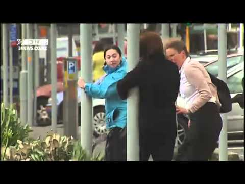 2011-11-21 - 3NEWS - WELLINGTON WIND TOO STRONG FOR SOME [RAW FOOTAGE]