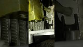 Пропускает фреон по клапан ТРВ кондиционера на Ланосе под торпедой.
