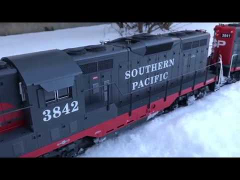 G Scale Diesels Struggling to Plow Snow: Maximum Power 2018