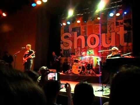 Hanson - Oh! Darling (Beatles cover) Zac on lead vocals PART 2