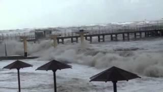 Шторм на черном море(Адлер, Сочи, море шторм., 2014-09-24T07:58:52.000Z)